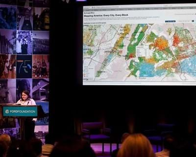 Amanda Cox on data visualization. 2012. This image is not available under 4.0 Creative Commons license.