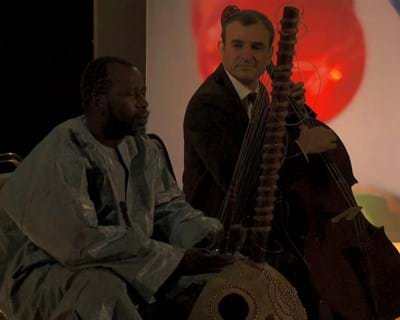 Ballake Sissoko and Vincent Segal Live Performance. 2011. This image is not available under the 4.0 Creative Commons license.