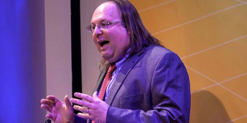 Ethan Zuckerman considers the potentials and dangers of the World Wide Web. 2015. This image is not available under 4.0 Creative Commons license.