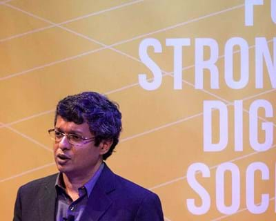 Sunil Abraham considers limitations to web access faced across the world. 2015. This image is not available under 4.0 Creative Commons license.