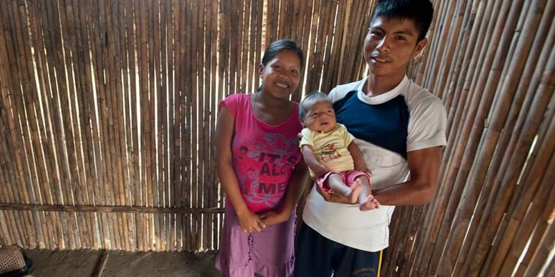 A young family from the Yutupis community in Peru. Photo credit & (c): Sergio Urday