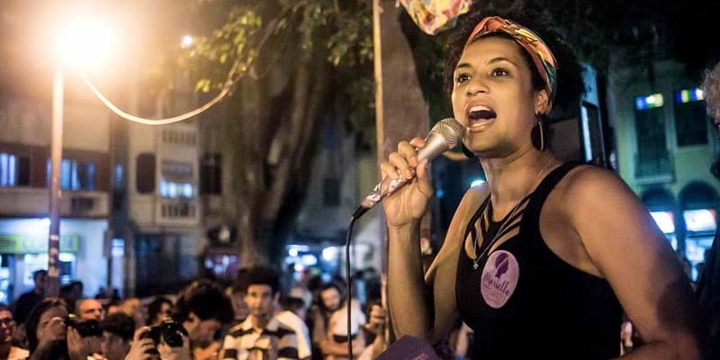 Marielle Franco speaking to a crowd. Photo credit: Mídia NINJA